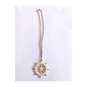 Jewelry - Vintage nautical ship wheel necklace